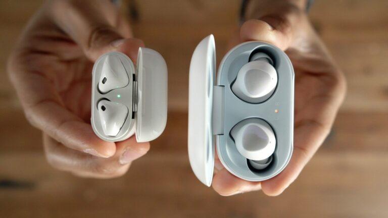 Apple AirPods kontra Samsung Galaxy Buds: a bajnoknak végre kihívója akadt?